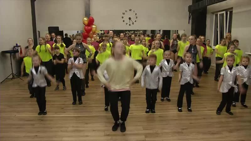 Мини мастер- класс по ХИП-ХОП танцу с нашим педагогом Будиловой Ксенией Вячеславовной