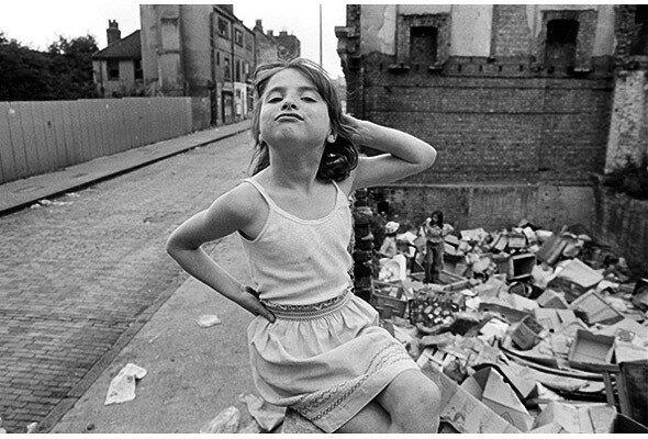 Улицы Великобритании в репортажных фото Paul Trevor. 1970-е годы.