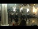 Часть танца на выпускном 77 школы