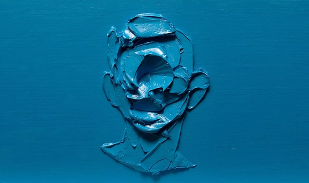Иранский художник Салман Хошру создал экспрессивную серию White on White, работы на стыке живописи и скульптуры, фигуративного искусства и абстракции В его портретах не прописаны черты лица, но