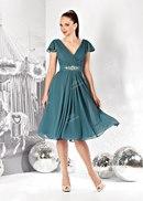 Оборки, короткие рукава, рюши, стразы, бисер и пышные юбки- более 100 модных нарядов.