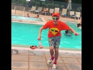 Roy Purdy танцует под трек Drake In My Feelings