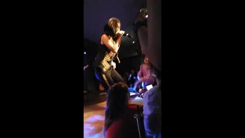 INNA - Cum ar fi - Hard Rock Cafe 2018