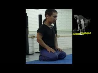 Марат Хасанов жмет 155 кг