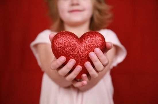 У дівчинки велике серце