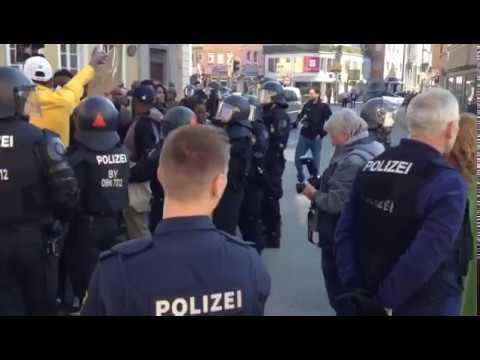 Aufmarsch der Flüchtlinge eskaliert weil Forderungen nicht sofort erfüllt wurden