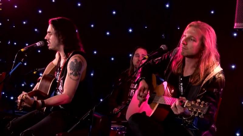 Crazy Lixx - Blame It On Love (Acoustic Live)