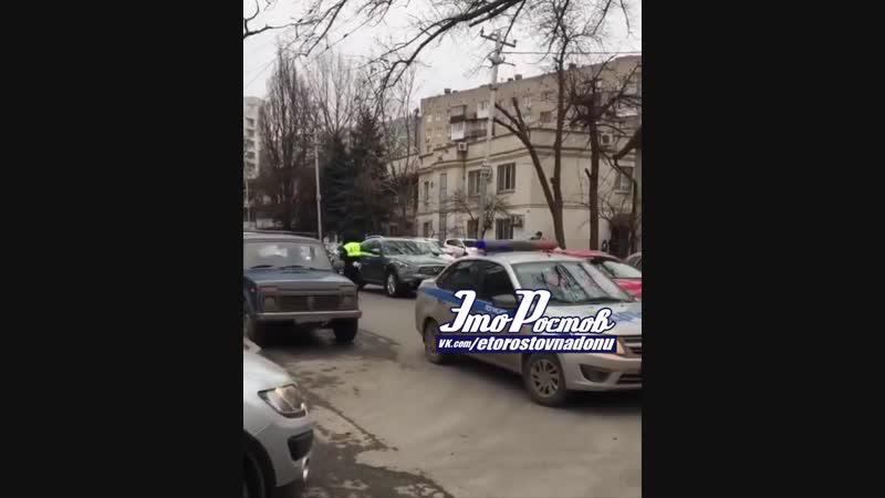 История о том как ростовские ДПСники помогли упавшей женщине 21 02 19 Это Ростов на Дону