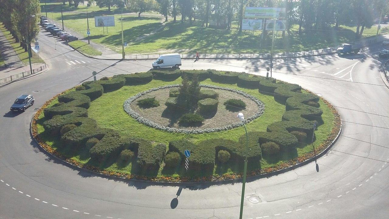 Конфликт внешнего и внутреннего... Кольцо на бульваре Шевченко требует внимания