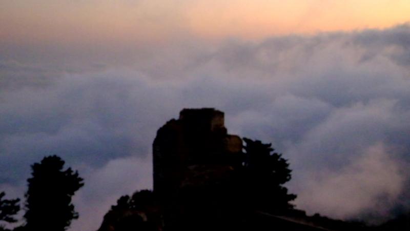 Северный Кипр Замок Кантара 650м над уровнем моря Рассвет