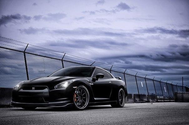 Nissan GT - R