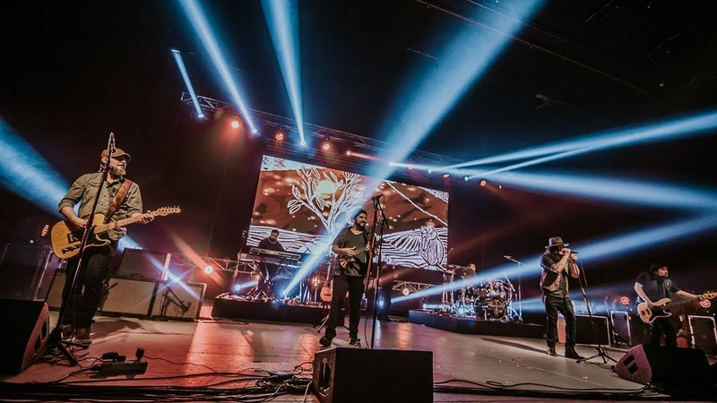 Kuervos del Sur - Hasta poder respirar - en vivo en Teatro Teletón