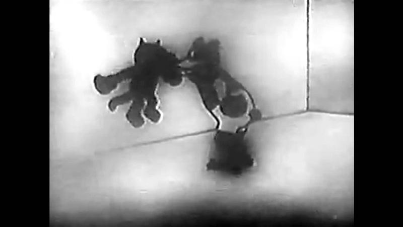 Alice Comedies - Alice Picks The Champ (1925)