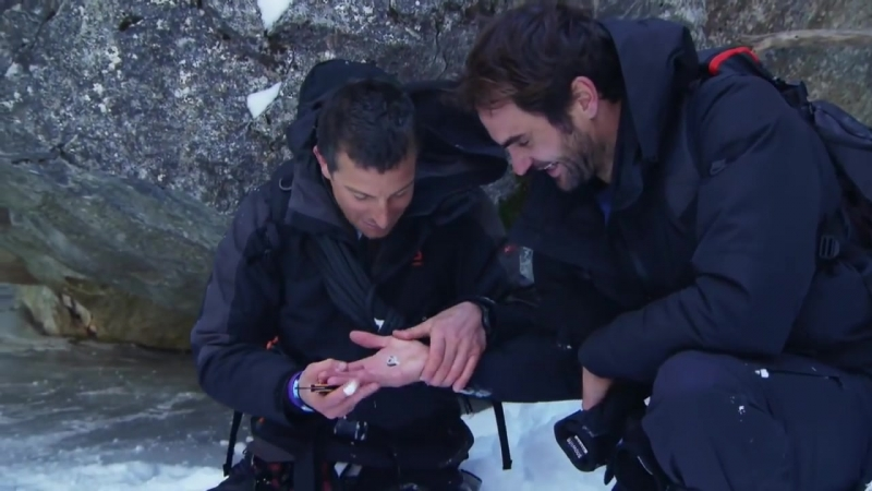Roger Federer Eating a Fish Eye! with Bear Grylls 2018 HD