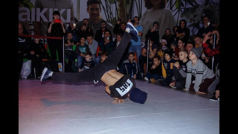 ELAINZ BATTLE    BREAK DANCE KIDS Bboy Mouzer VS Bboy RUS ROCK (WIN)