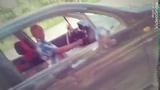 Сыктывкарка сняла, как мужчина занимается самоудовлетворением в машине