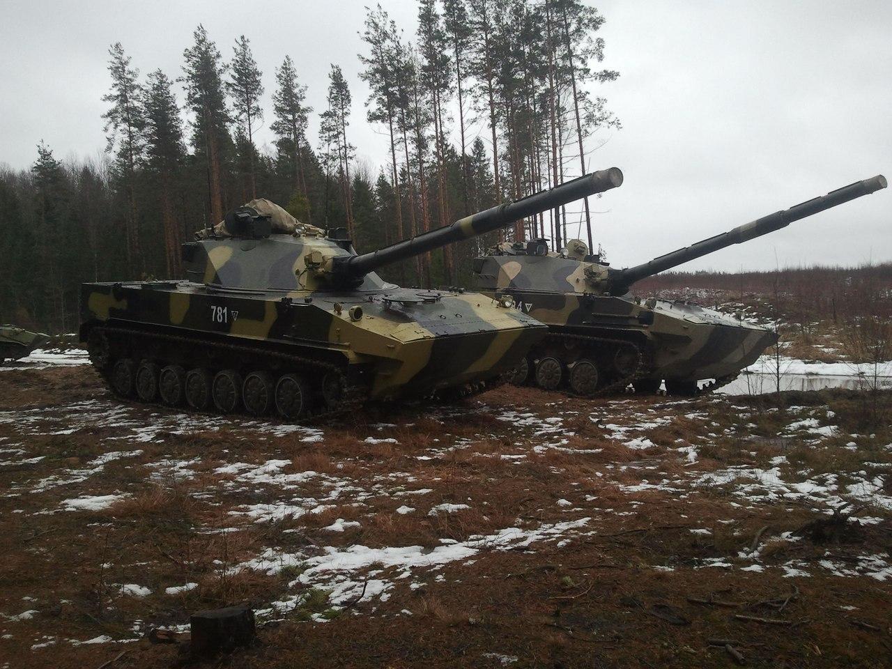 Vídeo: Novo caça tanques do exército russo 2С25 Sprut-SD