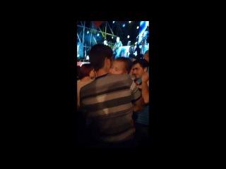 Малыш спит Украина Крым Симферополь День Независимости МТС 20 лет концерт группа Mad Heads XL