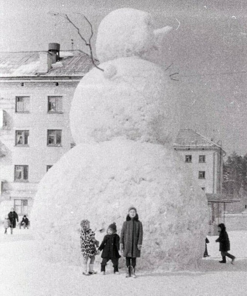 Гигантский снеговик, Пенза, 1966 год.