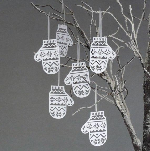 Вырезаем варежки для новогоднего декора… (5 фото) - картинка