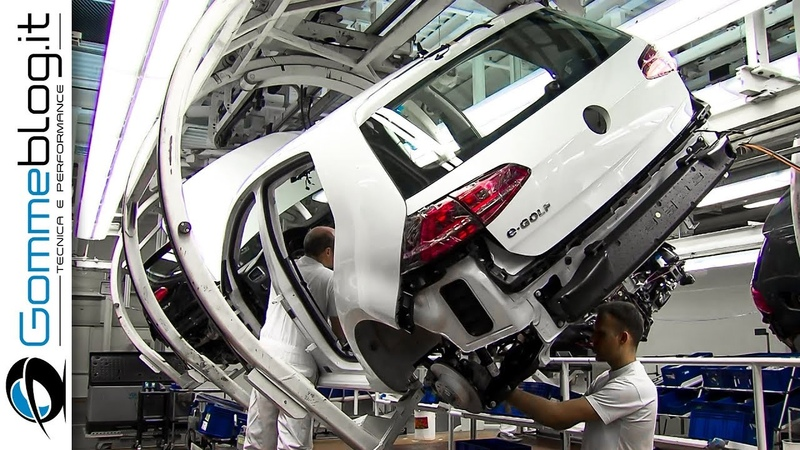 CAR FACTORY: VOLKSWAGEN Golf Production Line 2017 - HOW IT'S MADE