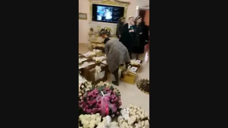 Дочь начальницы соцзащиты Шелковского района Чечении выходит замуж. Спасибо инвалидам и нуждающимся за такую пышную свадьбу.
