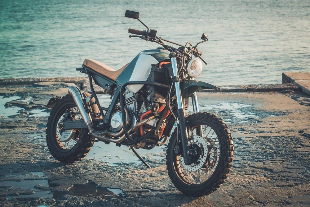 Maria Motorcycles: кастом Honda XRV750 Africa Twin