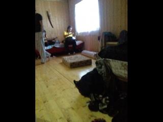 Праздник души тела - баня, имбирный Иван-чай и ханг с гитарой и караоке вакханалия ;)