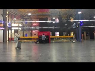 Genève Aéroport Ludovico Einaudi