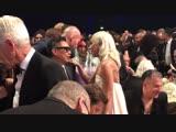 Леди Гага общается с Мэттью Либатиком на Critic's Choice Awards (13.01.2019)