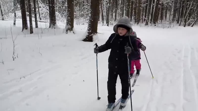 Миша Ремизов на лыжах