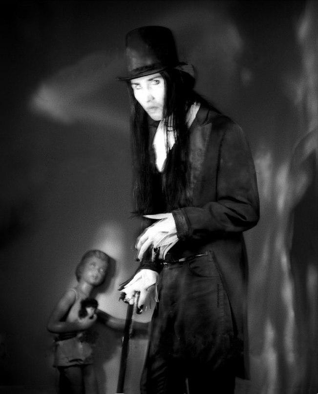 Marilyn Manson Song Lyrics | MetroLyrics