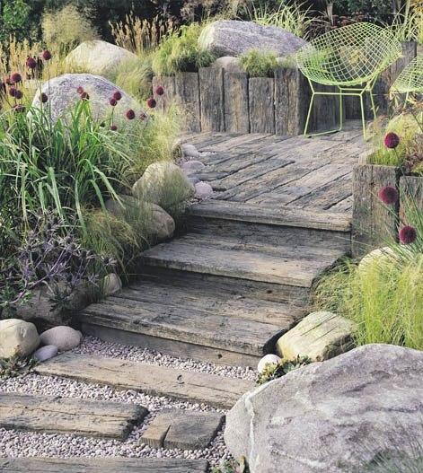 Деревянная лесенка для сада в стиле кантри… (1 фото) - картинка