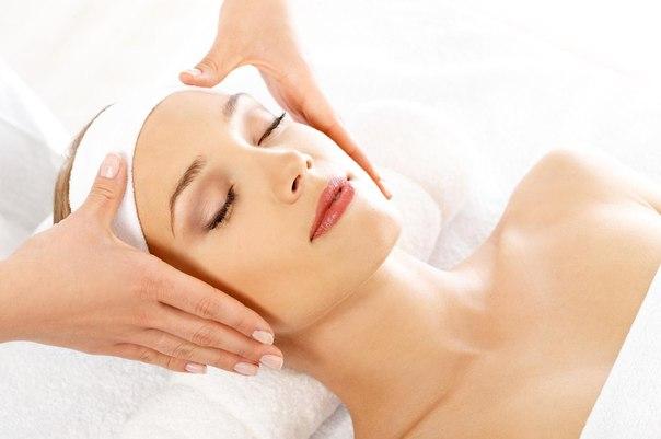 Рекомендации по применению эфирных масел при различных проблемах с кожей лица.