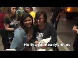 Demi Lovato shows love to fans arriving in LA from NYC at LAX airport