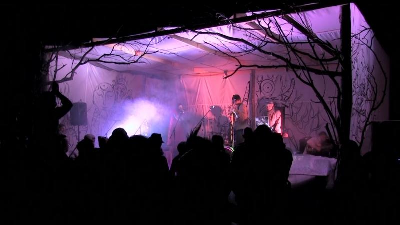Дзинь выступление на третьем ежегодном фестивале GNЁZDA Урал