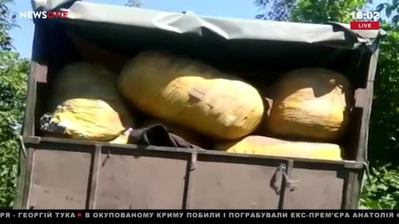 Сумские пограничники со стрельбой задержали российский грузовик с баулами шуб 12.08.18