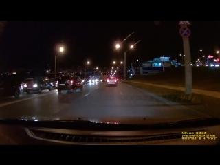 Кто должен уступить? Перекресток 30-й автодороги и Президентского бульвара