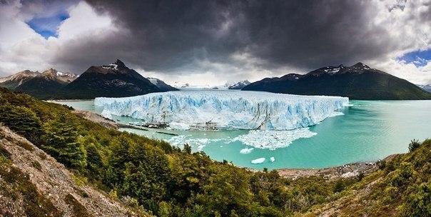 Аргентинский ледник Перито Морено Ледник Перито-Морено, расположенный в 78 км от посёлка Эль-Калафате, был назван в честь исследователя Франциско Морено, который изучал этот регион в