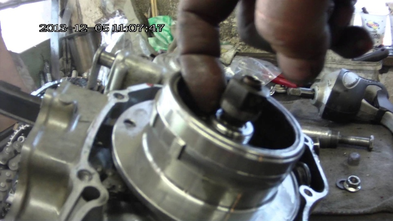 Demontáž rotora crf , safe and easy removal magneto flywheel from Honda CRF with impact wrench