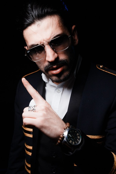 Mr Aikaz