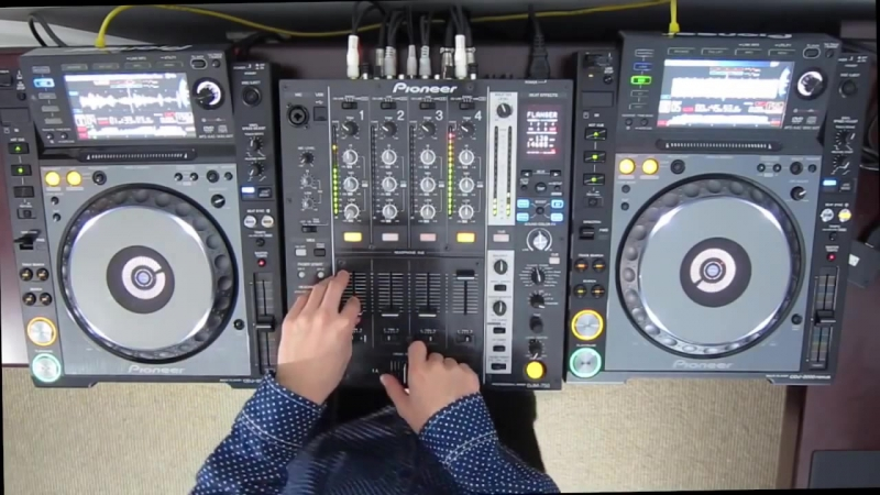 DJ Ravine Just messing around on Pioneer CDJ 2000 Nexus and DJM 750 uhh.mix (ELE