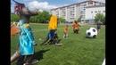 Поющие динозавры сыграли в футбол в поддержку российской футбольной сборной