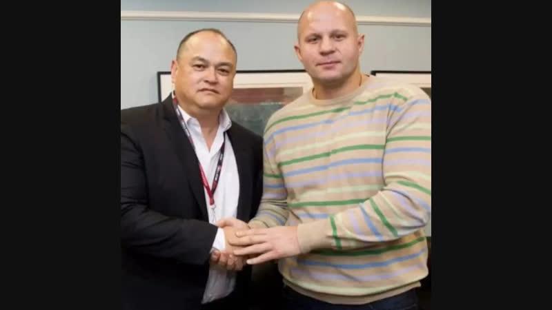Свитер Федора Емельяненко продан на аукционе за 10 800 долларов. Деньги Федор отдаст на благотворительность в России.