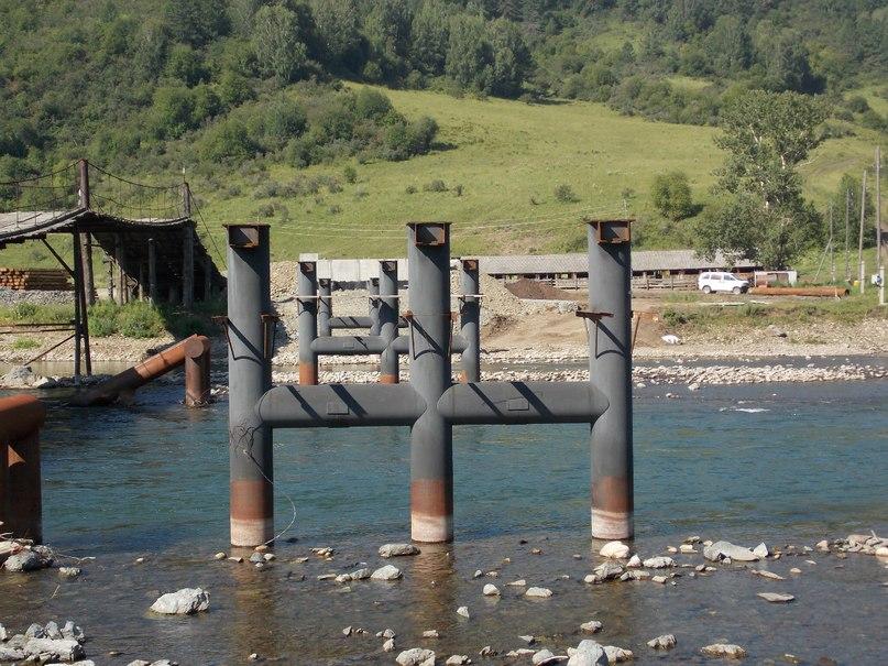 Здесь строят новый мост