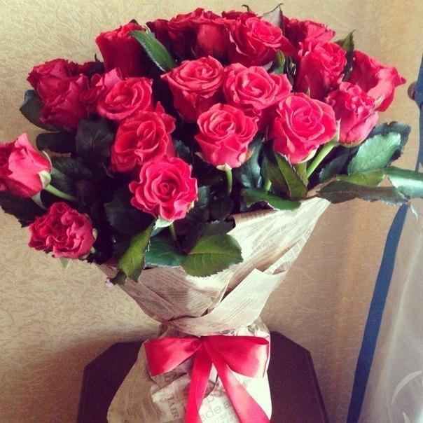Фото цветы красивые букеты в руках