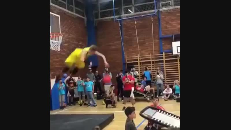 А таких баскетболистов ты видел