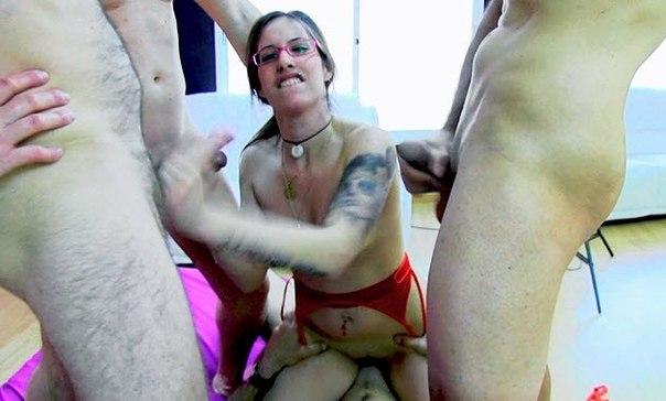 Seks düşkünü kızlar – Erotik filmi