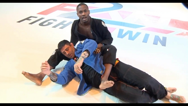 Dom Hoskins - The Sneaky Dominero Choke