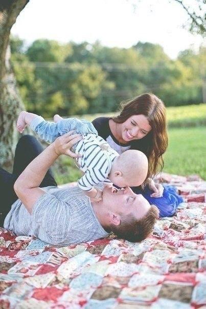 Ребенок должен быть гордостью! Жена достоинством! Муж опорой! Друзья верными... Деньги лишними... Здоровье крепким... А жизнь - прекрасной!